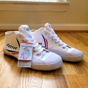 Mens minimalist shoes Feiyue